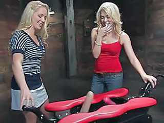 Dildo Machine Blonde