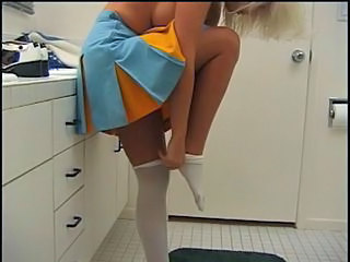 Cheerleader chick in action with fat cock