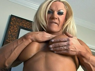 lisa cross tits n flex