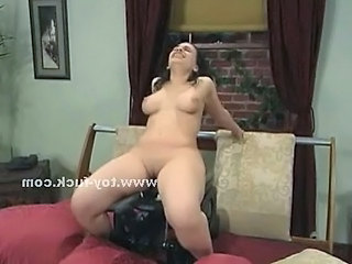 Round Chubby Babe Riding Fucking Machine And Playing With Electri