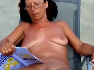 Beach Voyeur Saggytits Glasses Mature Mature Ass Milf Ass