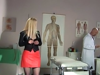 Doctor seduces mature patient