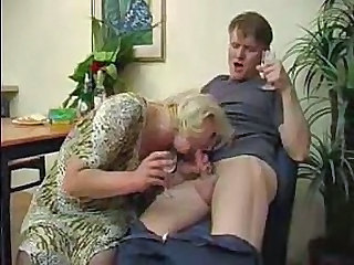 Mature Drunk Old and Young Amateur Blowjob Aunt Blowjob Amateur