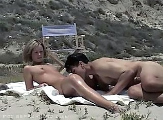 SEXE AMATEUR to the Beach ! F70