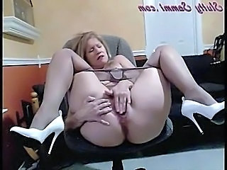 Pantyhose Slutty Sammi Opens Wide And Masturbates