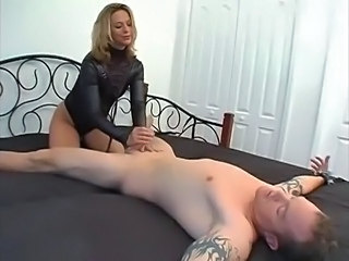 Video posnetki iz: xhamster | Teasing mistress