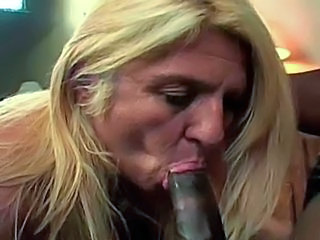 Blonde mature with big ass loves BBC