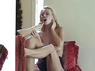 Foot Fetish Lesbian Ladies Eating Cunt