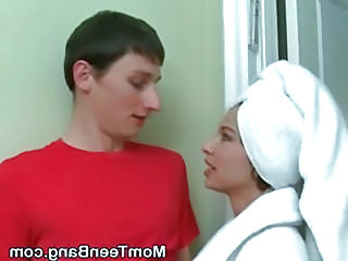 Brunette Milf And Blonde Teen Su...