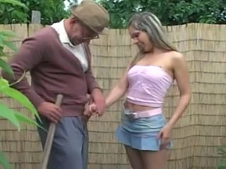 OLD MAN FUCK GIRL IN THE GARDEN...usb Sex Tubes