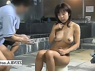 Horny milf client bathed on tap a strange Japan bathhouse