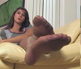 Feet Brunette MILF Milf Stockings Nylon Stockings