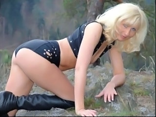 Amazing Blonde MILF Milf Teen Teen Blonde