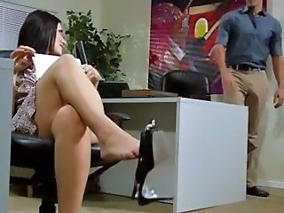 Amazing Legs Office
