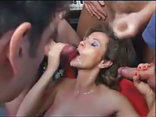 Mature wants bukkake from lots of guys tubes