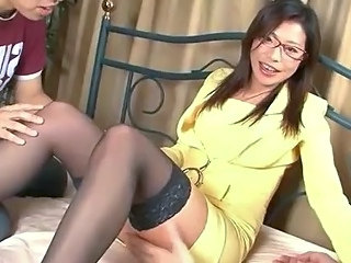 Hot Teen Mizuki Ogawa nearly Glasses and Thigh Overbearing Stockings