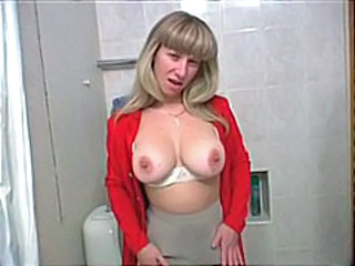 Pissing Toilet Amateur MILF Natural Toilet Pissing Amateur Mature Anal Webcam Dance