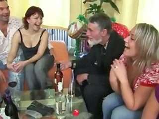 Drunk Groupsex Old And Young Drunk Teen Group Teen Old And Young