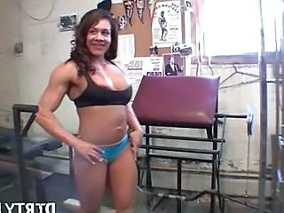 Sport Muscled MILF Latina Milf