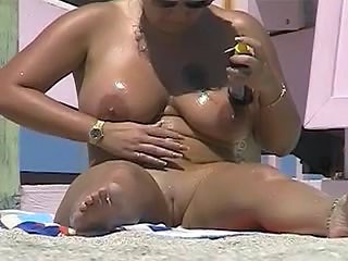 DD BBW For The Nude Beach Voyeur