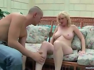 Mature Old and Young Mom Anal Mom Grandma Mature Anal