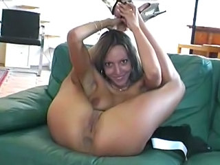 Detti dancing all nude
