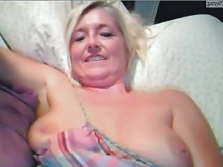 Mature Granny Webcam28