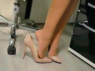 Upskirt naughty secretary in high heels  amp; pantyhose