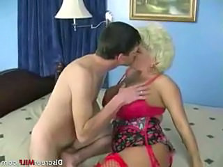 Mature Blonde Mom with Gardener Sex Tubes