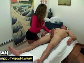 Cute Asian masseuse works on a guys cock Sex Tubes