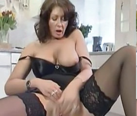 Masturbating Mature Stockings British Mature Housewife Masturbating Mature