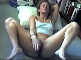 14 amateur ladies orgasming