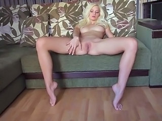 Pussy Shaved Teen Blonde Teen Teen Babe Teen Blonde