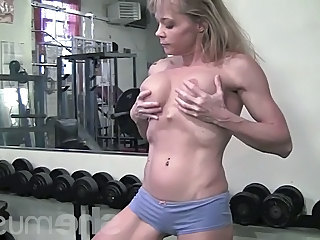 Mature Muscled Sport Gym Girlfriend Cum