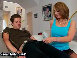 Hawt MomMa ReBecca bardoux Enjoys a pulSating Rod sliDing in her warm Mouth