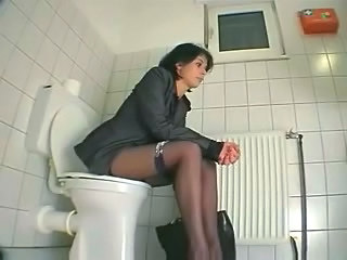 Girlfriend in toilet masturbates before go to work. Hidden cam