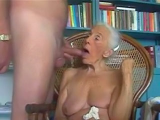 Old grandma loves to suck young cock