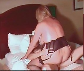 Hot Blonde Granny Cougar Squirts