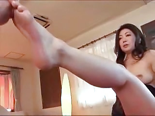 Mom Feet Asian  Mother