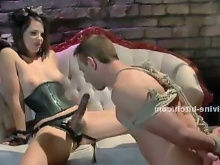 Man sex servant tied and force to learn how to please the dirty sado maso mistress nigh beautifull female domination sexual video scene