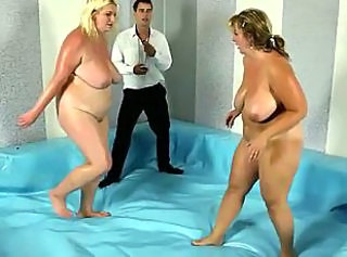 BBW plumper gets on her knees to suck off