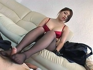 Pretty Asian giving creamy pantyhoseJob