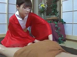 Japanese girls massage335-1