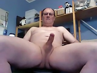 Shaved coupled with cumming