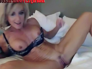 Mature Webcam Whore Dildos Her Pussy Part 4