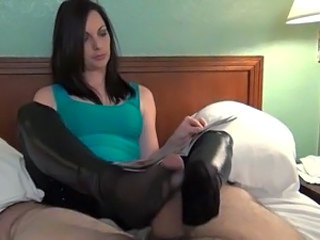 Fetish MILF Feet Foot Footjob