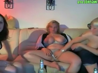 Horny amateurs swingers homemade sexparty 1