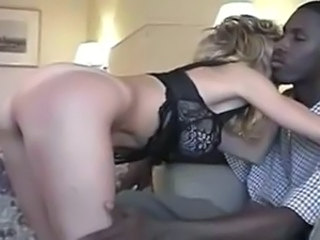 Mature fuck a huge black cock (Camaster)