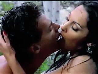 Indian Kissing MILF Outdoor