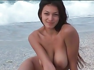 Long Hair Natural Beach Babe Big Tits Babe Outdoor Beach Tits